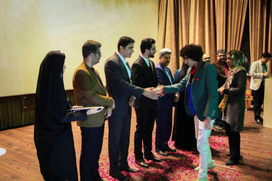 برگزیدگان دهمین جشنواره استانی تئاتر طنز تنگستان معرفی شدند